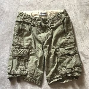 Old Navy army green cargo shorts for a boy